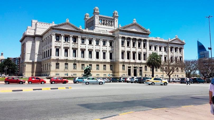 Palácio Legislativo em Montevidéu Uruguai - Dicas sobre o q fazer em Montevideu