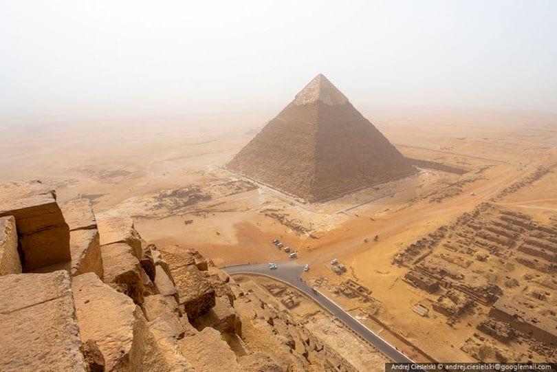 Do alto da Pirâmide de Giza, em Cairo no Egito