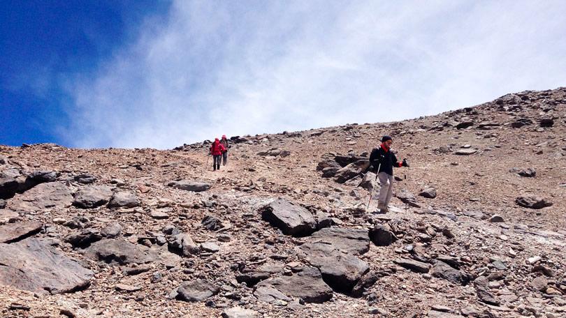 A descida do vulcão Cerro Toco em San Pedro do Atacama