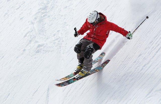 esquiando-na-neve