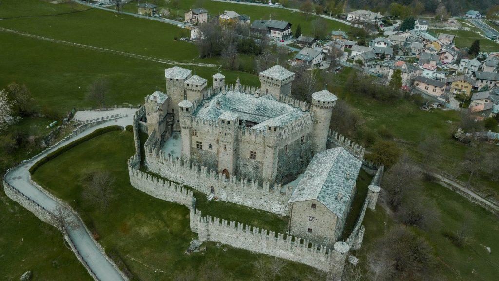 castello di fenis - vale d'aosta